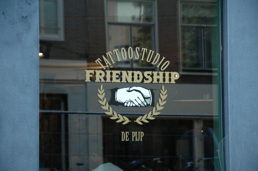 Pig & Hen X Friendship - Blue Roots Official