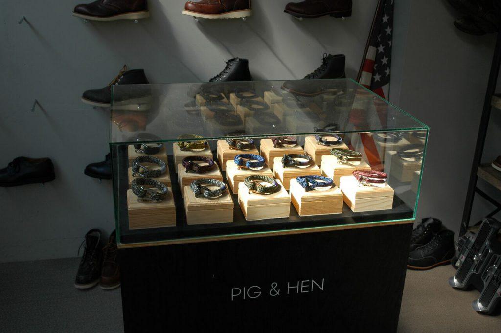 Pig & Hen HQ - Blue Roots Official